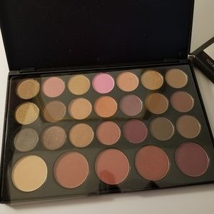 Bh Cosmetic Eyeshadow & Blush palette